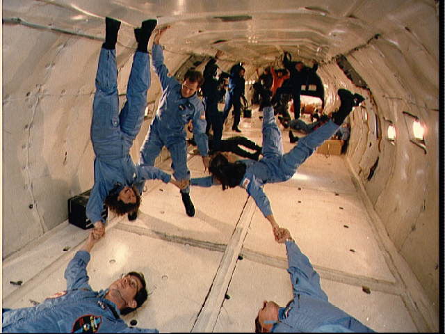 why astronauts in outer space experience weightlessness - photo #27